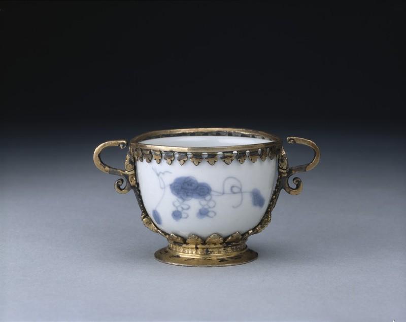 Wine cup (EA1978.817, oblique            )