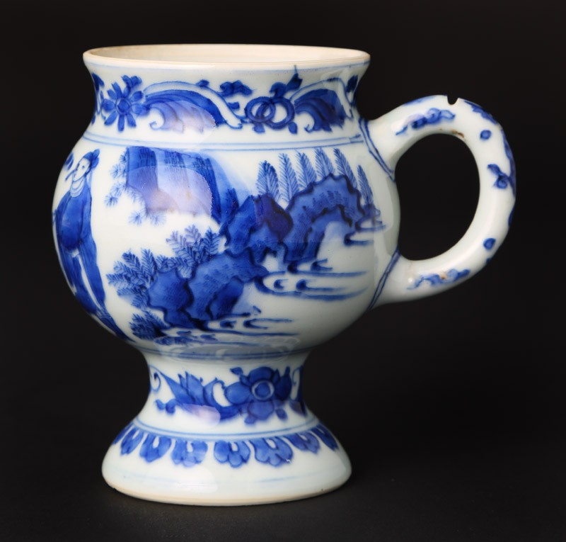 Blue-and-white mustard pot with figure and a horse