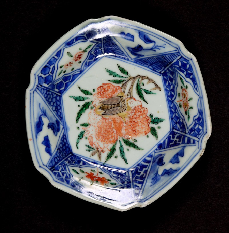 Hexagonal dish with hydrangea and cicada (EA1978.1151, front             )