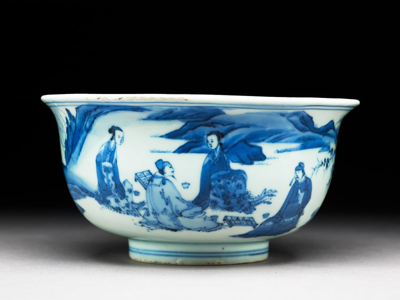 Blue-and-white bowl with figures playing chequers