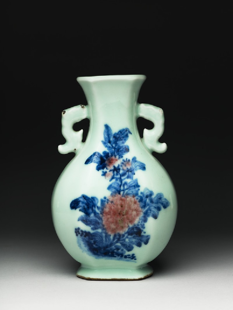 Bottle with a peony and a chrysanthemum (EA1978.1318, side             )