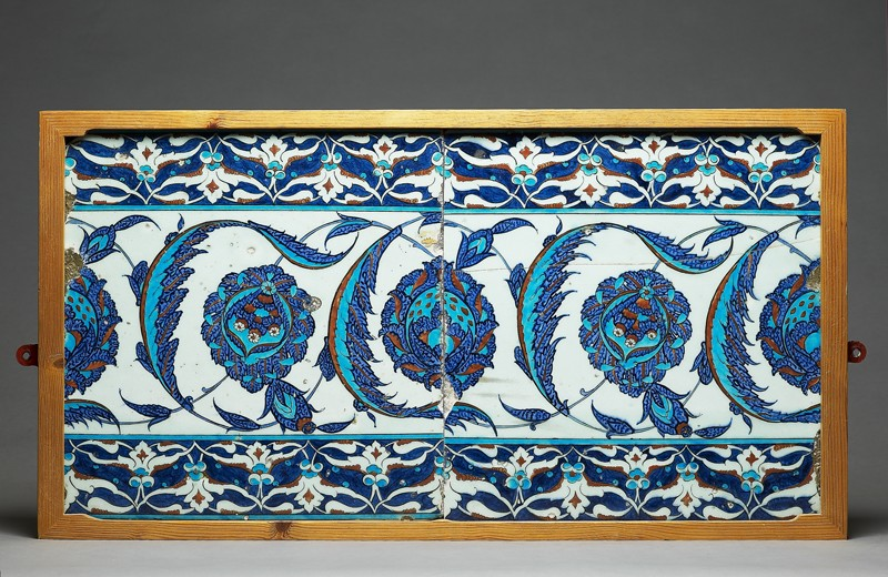 Tile decorated with peonies and serrated leaves (EA1978.1528, front, with EA1978.1529             )