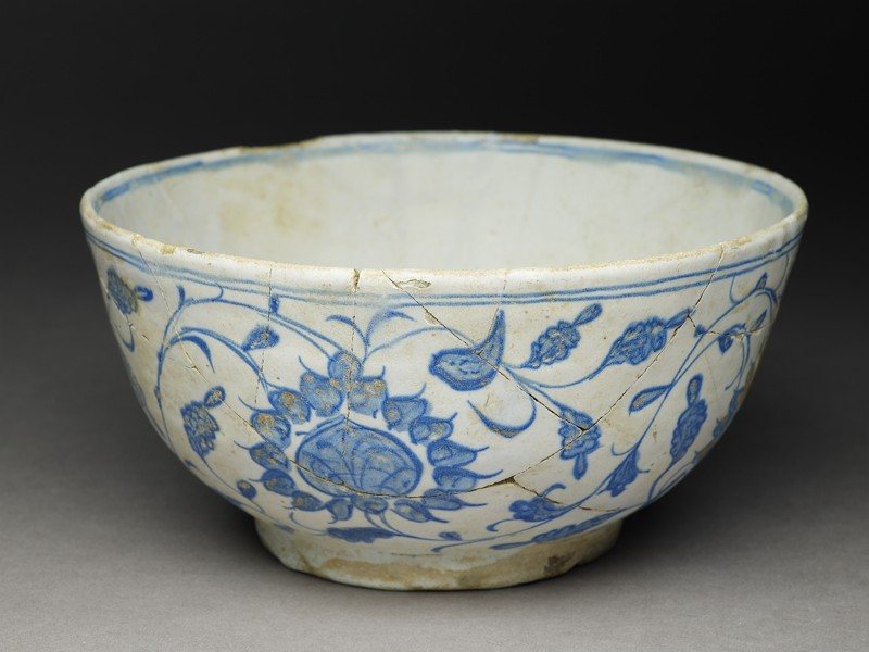 Bowl with bird and peonies (EA1978.1602, oblique             )