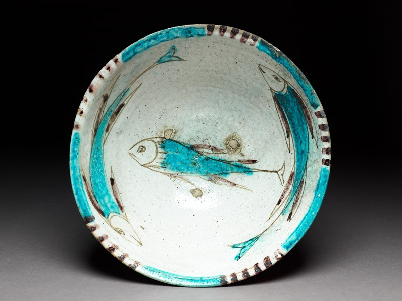 Bowl with three fish (top             )