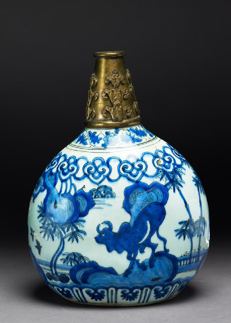 Flask with bull (side             )
