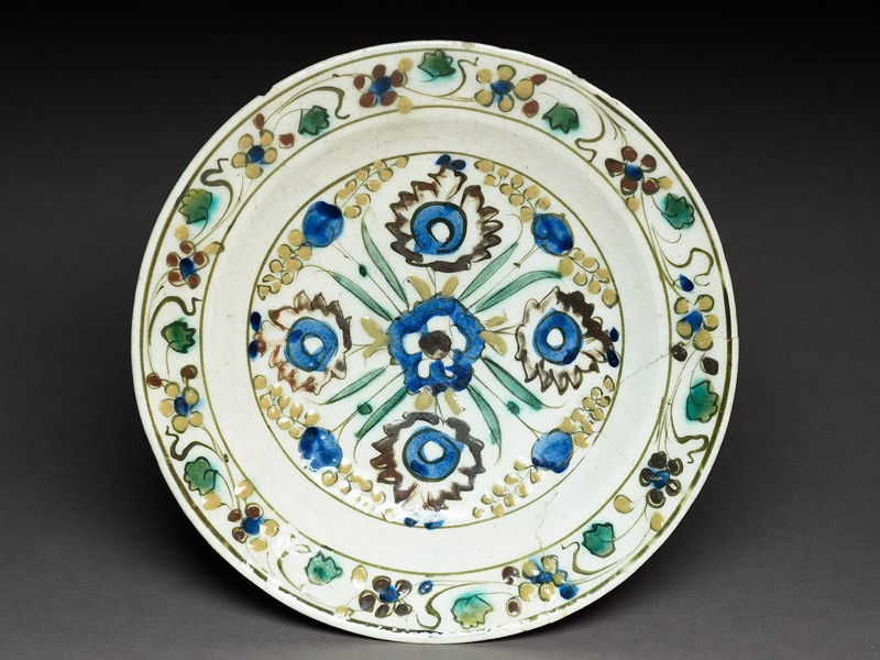Dish with five blossoms (top             )