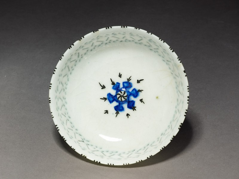 Bowl with star