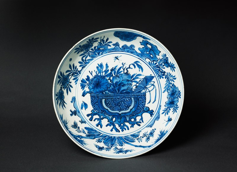 Blue-and-white dish with basket of flowers (EA1978.1956, top             )