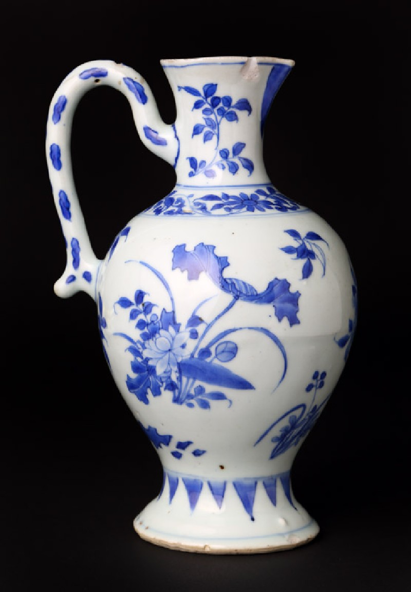 Blue-and-white ewer with floral decoration (EA1978.2026, front             )