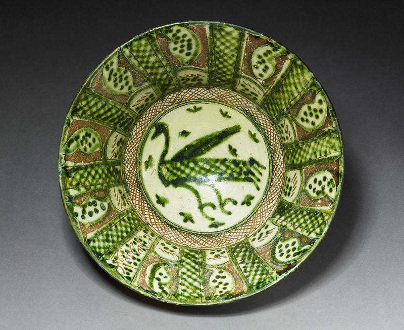 Bowl with bird and spotted leaves (EA1978.2132, front             )