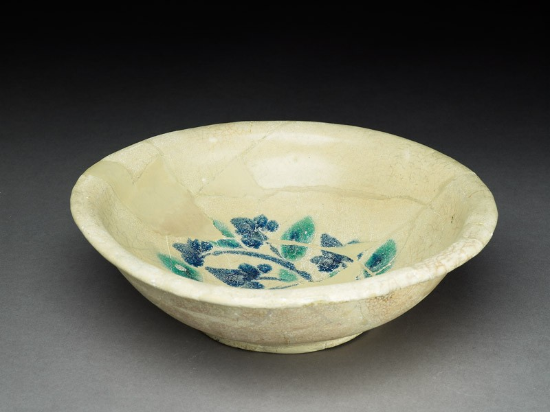 Bowl with trefoil (EA1978.2142, oblique             )