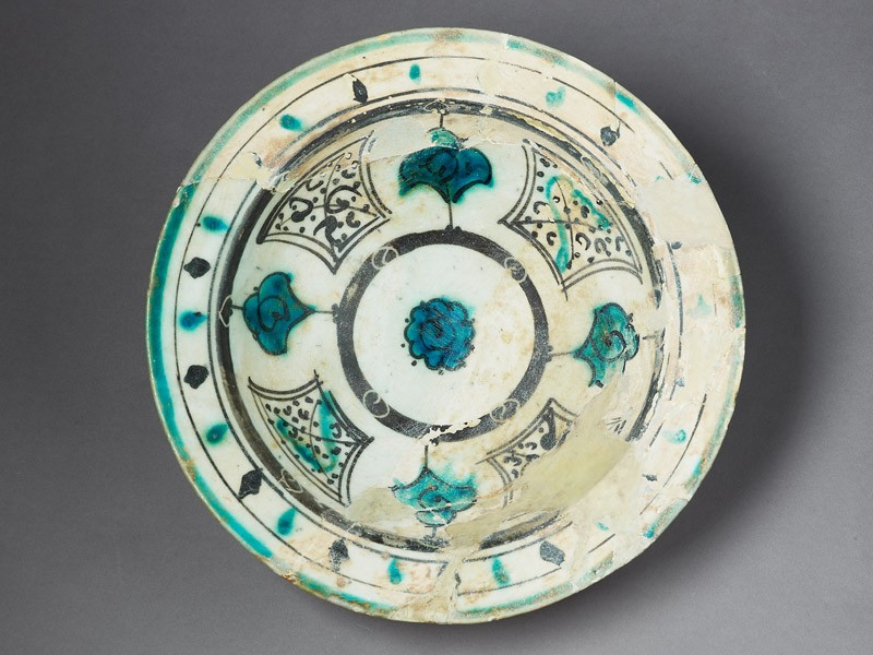 Bowl with rosette (EA1978.2194, top             )