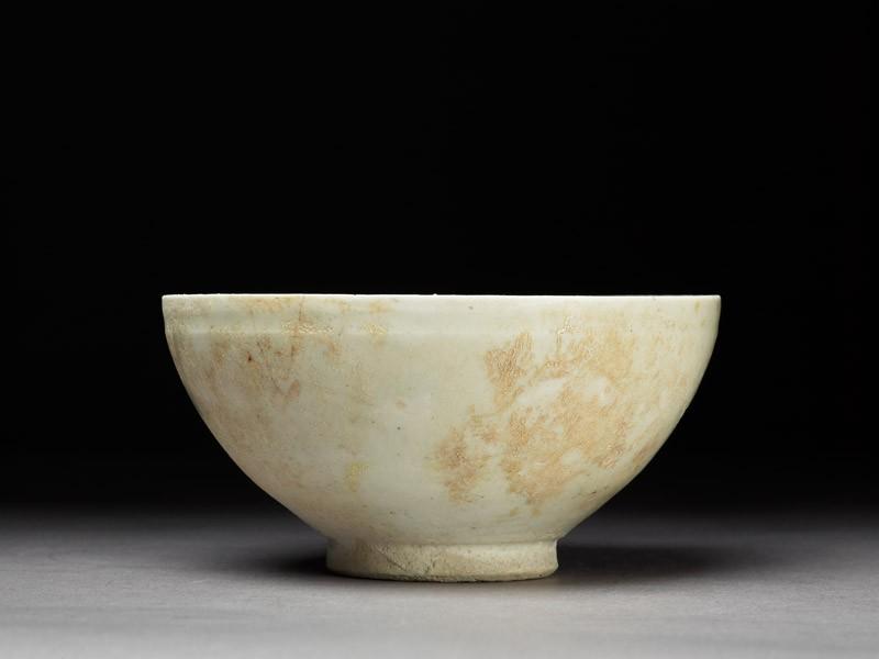 Bowl with white glaze