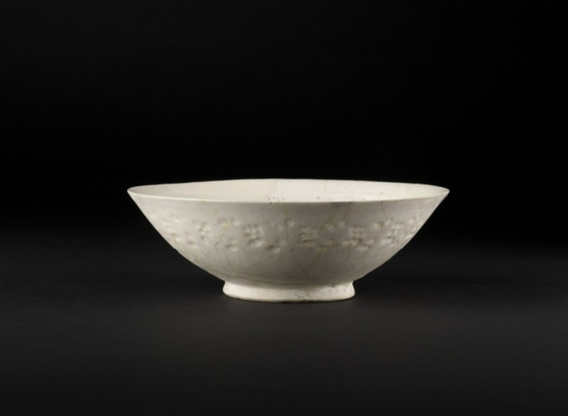 Bowl with floral frieze