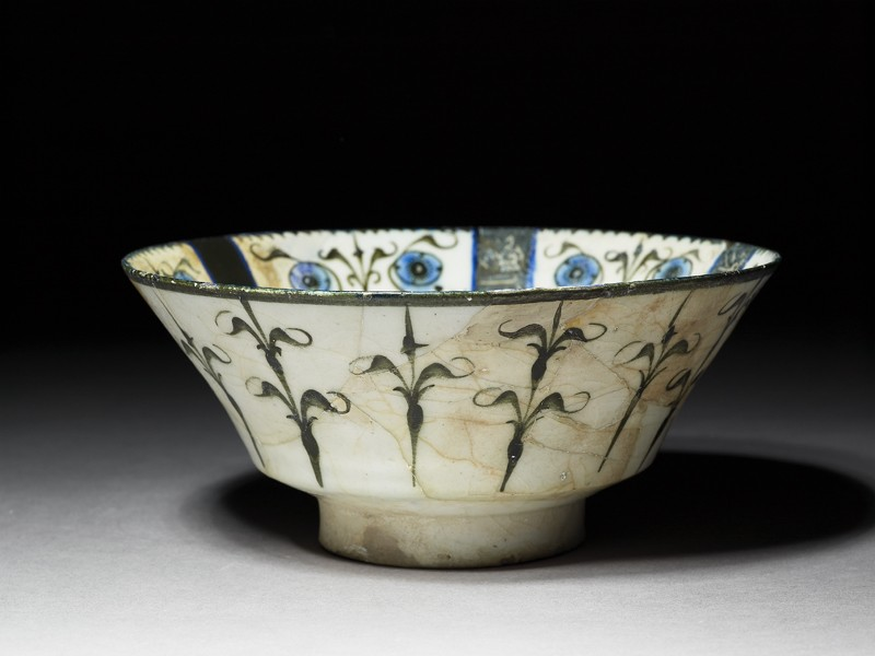 Bowl with floral and calligraphic decoration (EA1978.2331, oblique             )