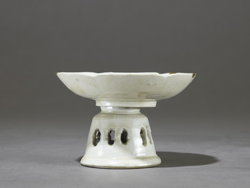 White ware dish and stand (EA1980.227, side            )