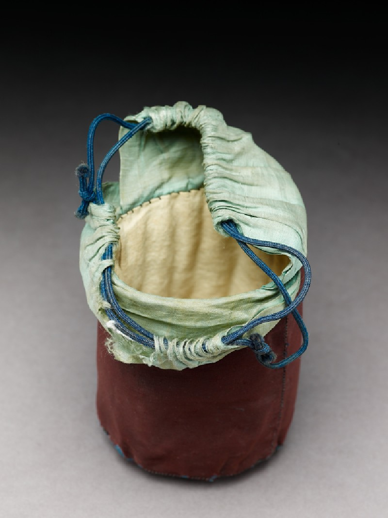 Silk bag for a cricket cage (oblique             )