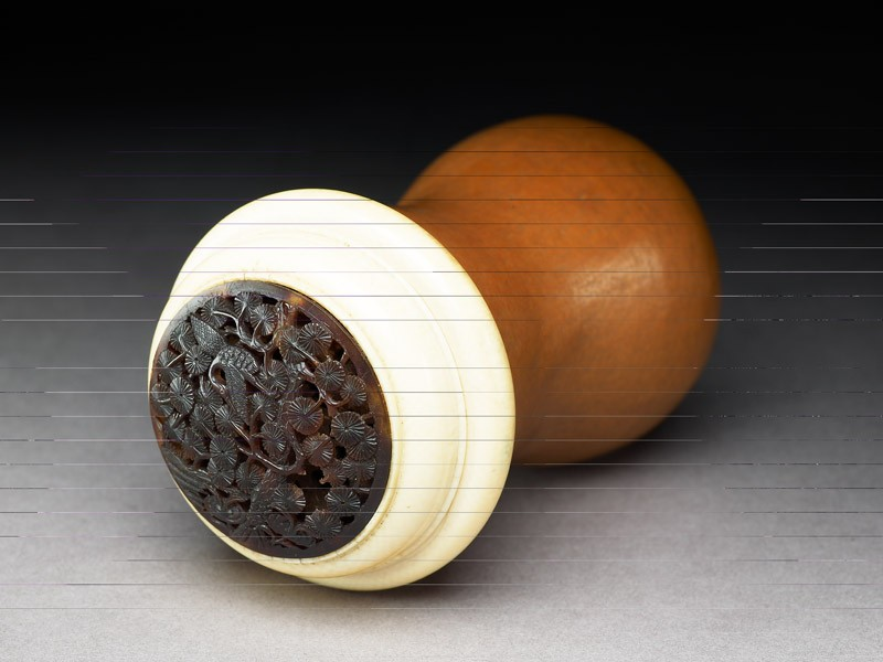 Gourd cricket cage with tortoiseshell and ivory lid