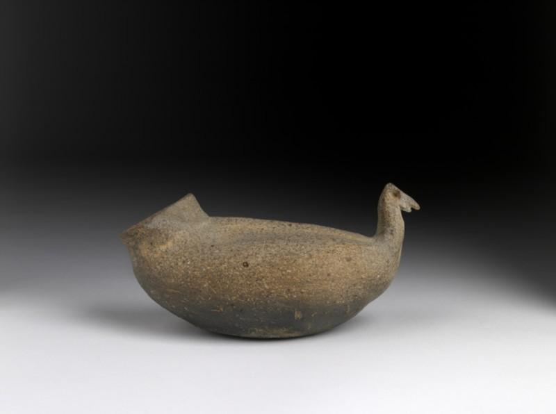 Pot in the shape of a bird (EA1983.228, side            )