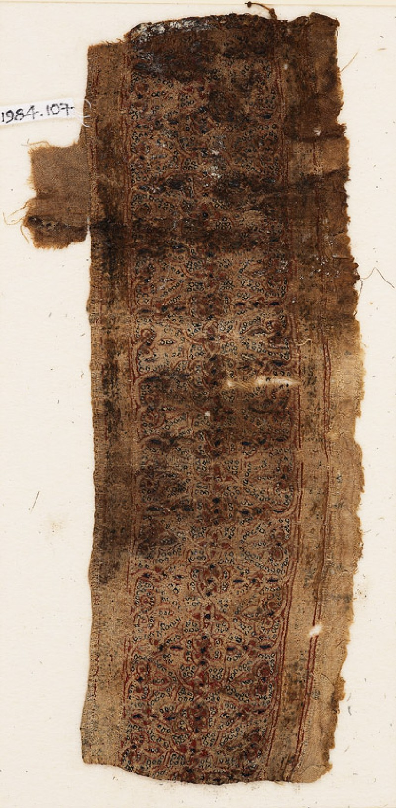 Textile fragment with interlacing quatrefoils and trefoils