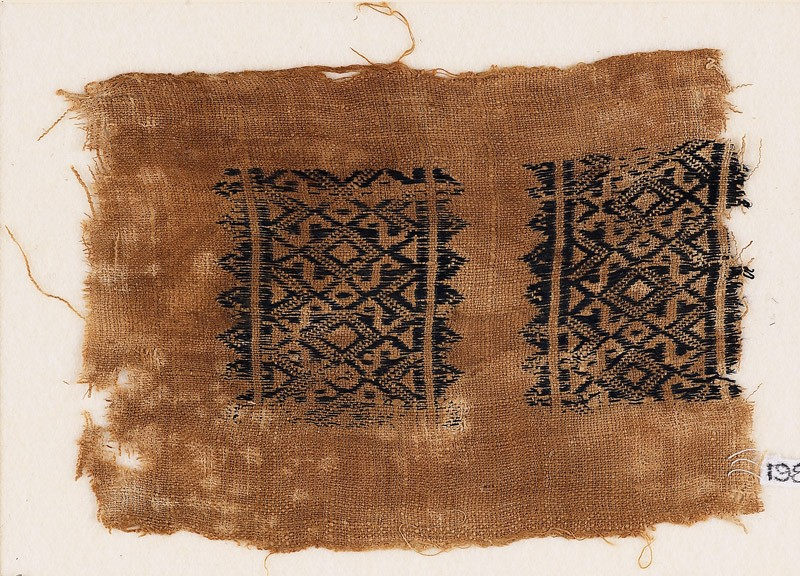 Textile fragment with diamond-shapes and S-shapes (EA1984.296, front            )