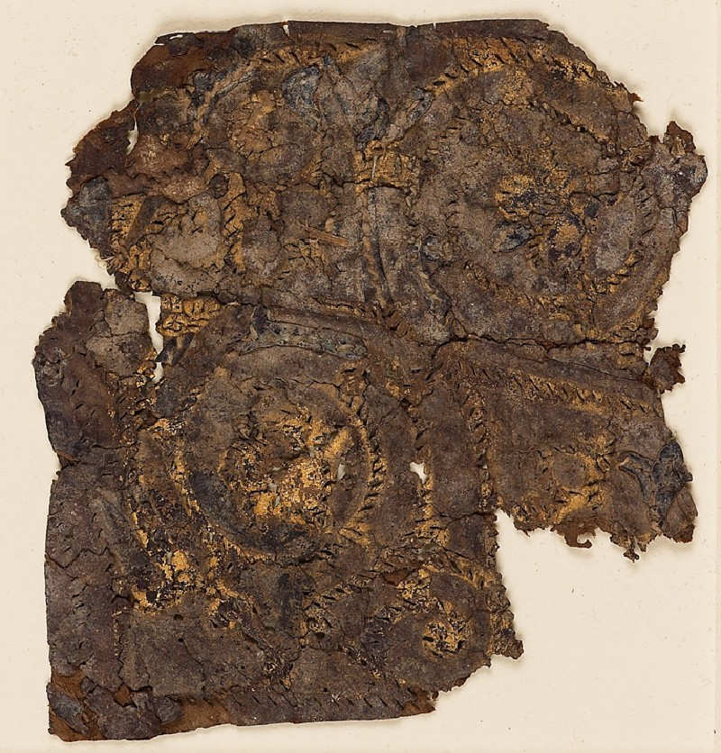 Textile fragment with trefoil scroll (front            )