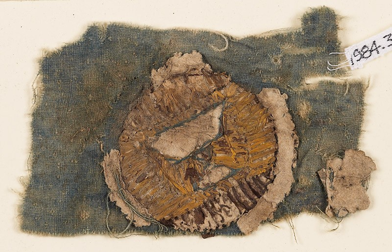 Textile fragment with blazon (EA1984.363, front            )