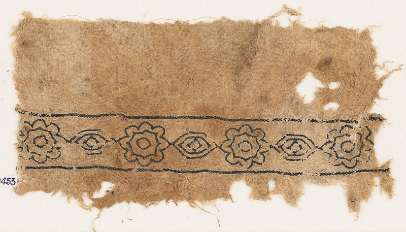 Textile fragment with alternating rosettes and medallions (front            )