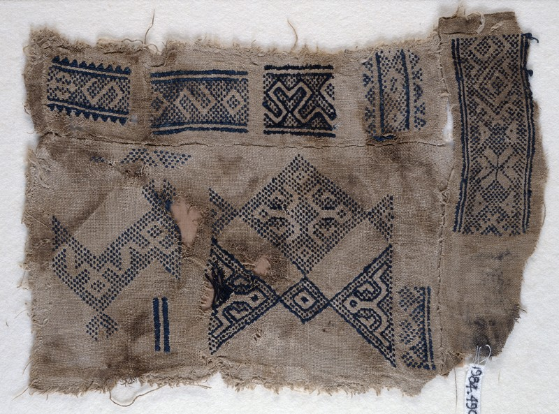 Sampler fragment with S-shapes and hooks (EA1984.490, front            )