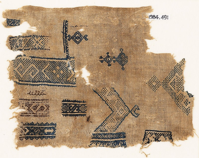 Sampler fragment with S-shapes, diamond-shapes, and crescents (EA1984.491, front            )