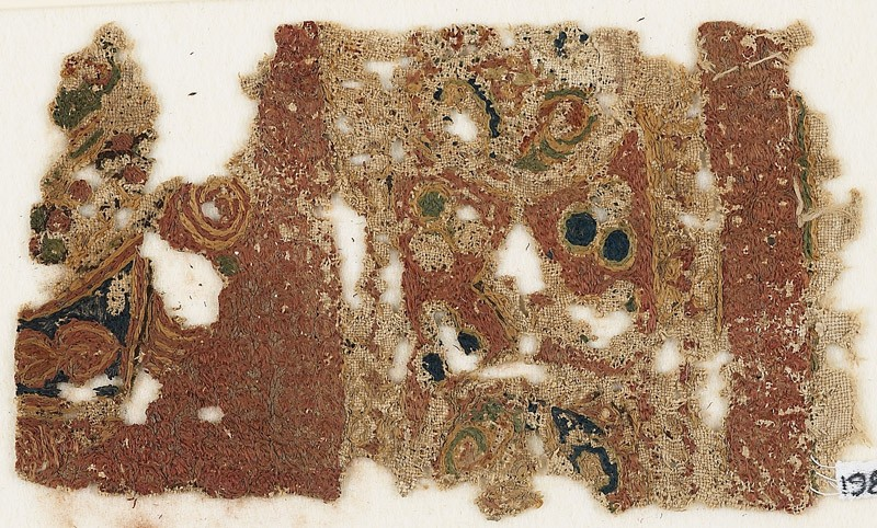 Textile fragment with medallions or scrolls