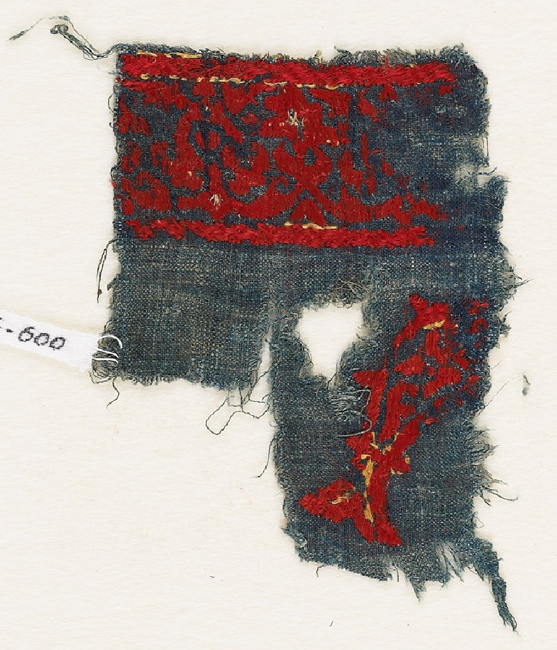Textile fragment with fish (front            )
