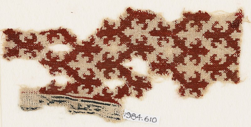 Textile fragment with chevrons and trefoil finials (EA1984.610, front            )