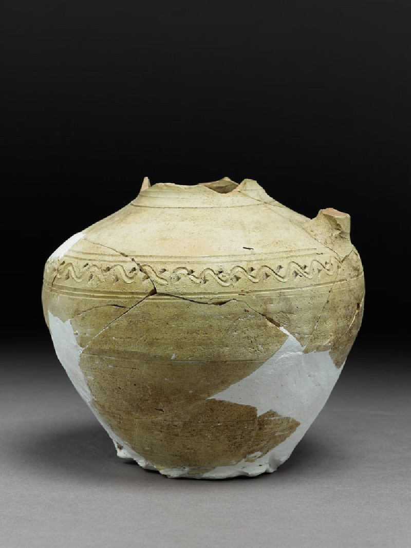 Fragmentary jar with incised decoration (side            )