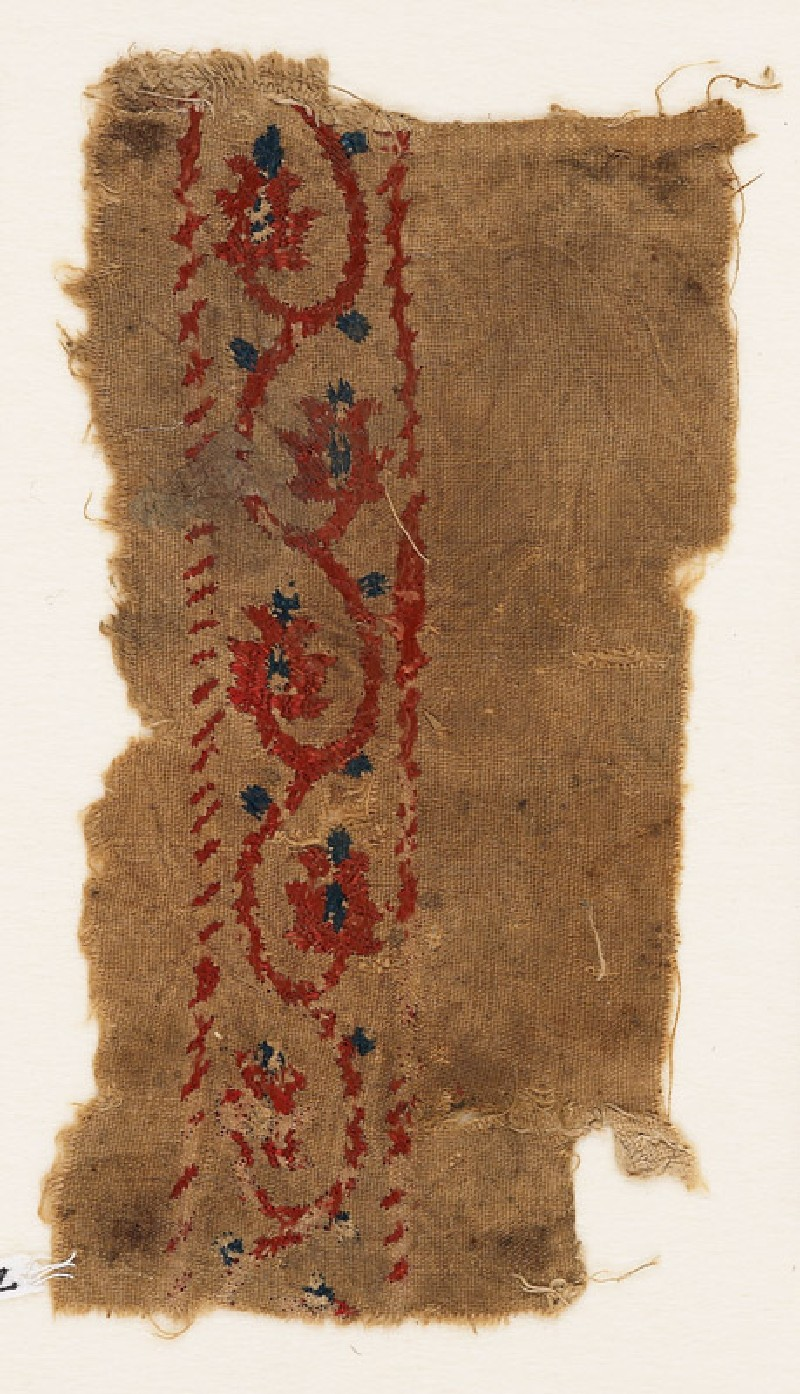 Textile fragment with vine and flower-heads (EA1984.82, front           )