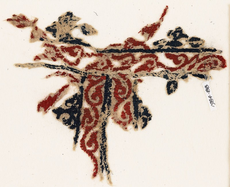 Textile fragment with vines and leaves (EA1984.88, front           )