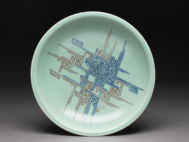Dish (EA1985.44, top           )