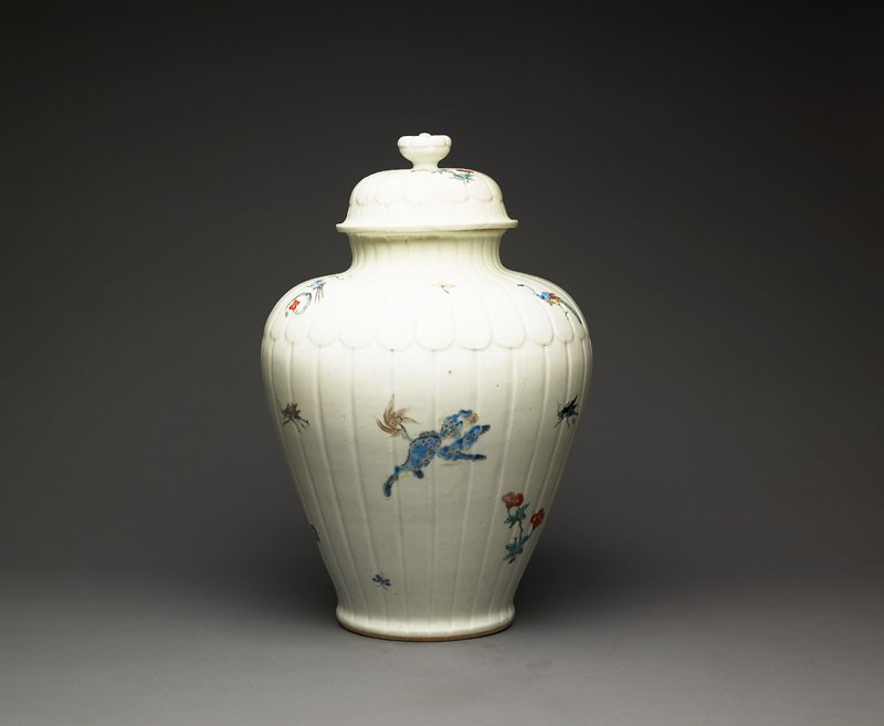 Baluster jar with 'lion, butterfly, and sprig' pattern