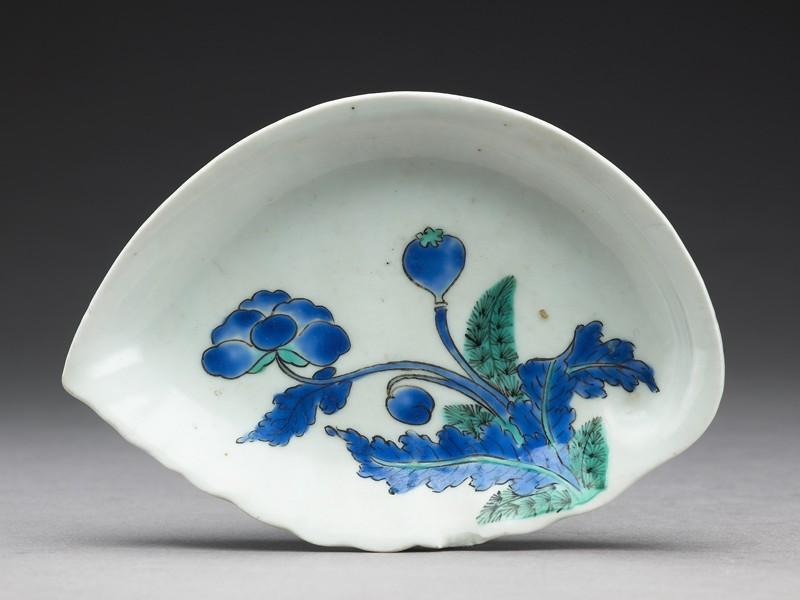 Shell-shaped dish with poppy (EA1989.168, top            )