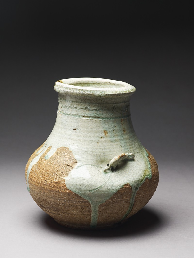 Globular vase with a shrimp (EA1990.1, oblique          )