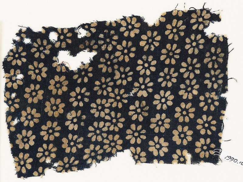 Textile fragment with rosettes (EA1990.104, front            )