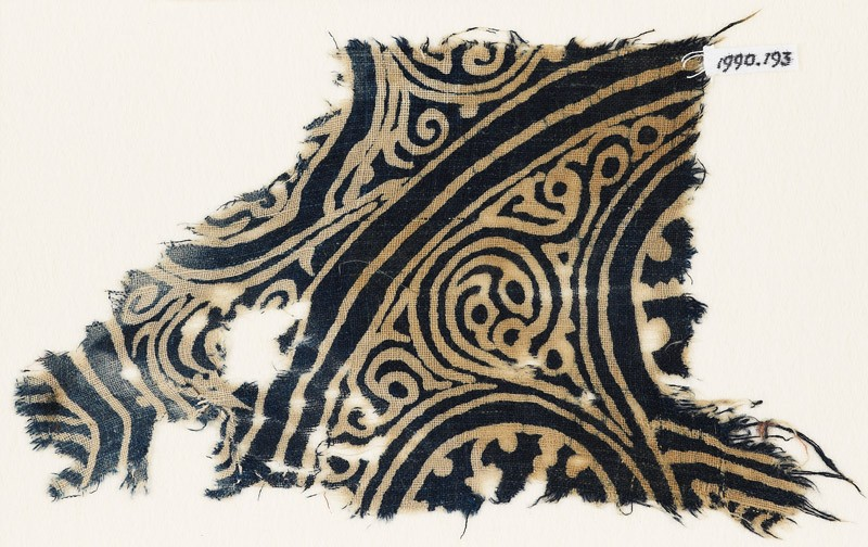 Textile fragment with swirling tendrils (EA1990.193, front            )