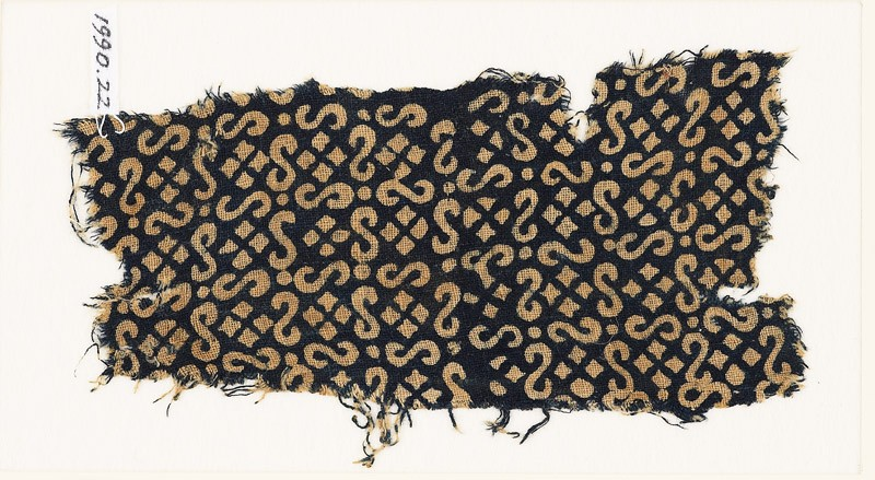 Textile fragment with S-shapes, dots, and squares (EA1990.22, front           )