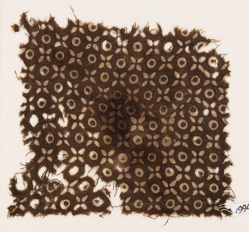 Textile fragment with quatrefoils and circles (front            )
