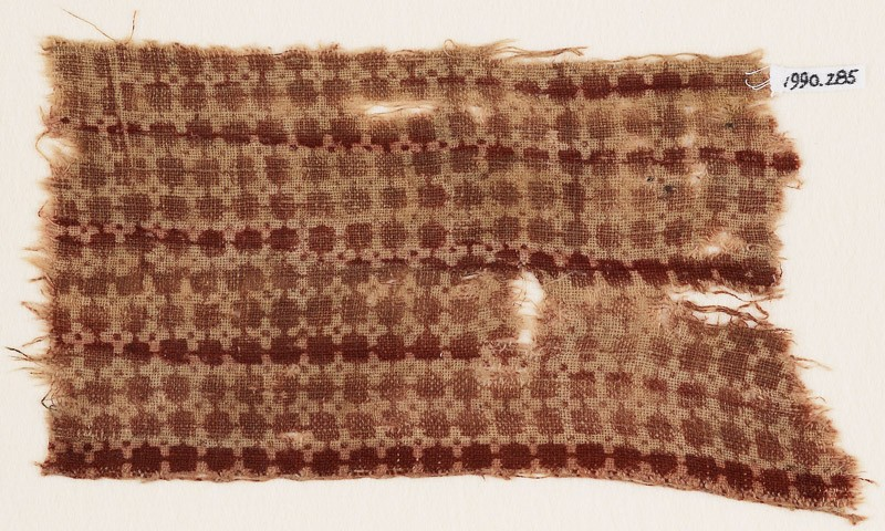 Textile fragment with linked squares (EA1990.285, front            )