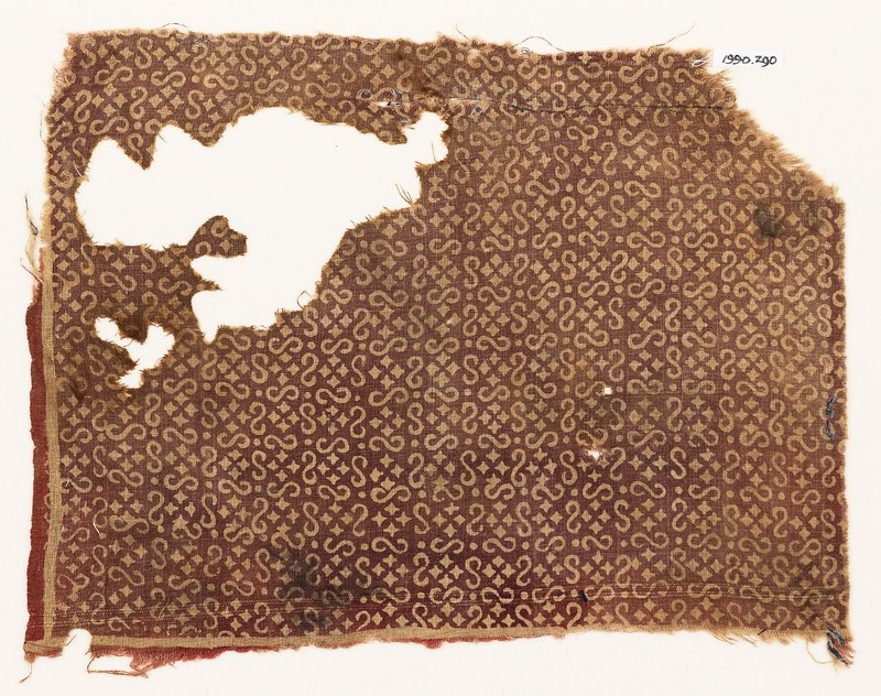Textile fragment with S-shapes and small squares (EA1990.290, front            )