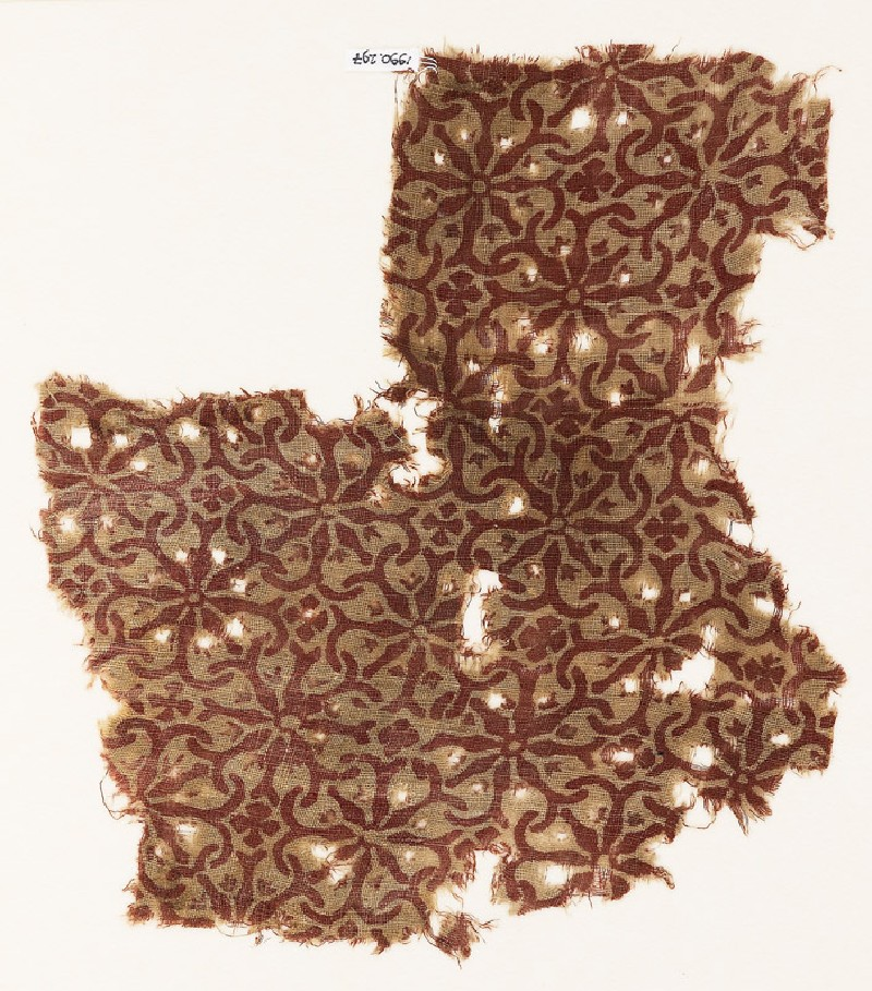 Textile fragment with interlocking spirals