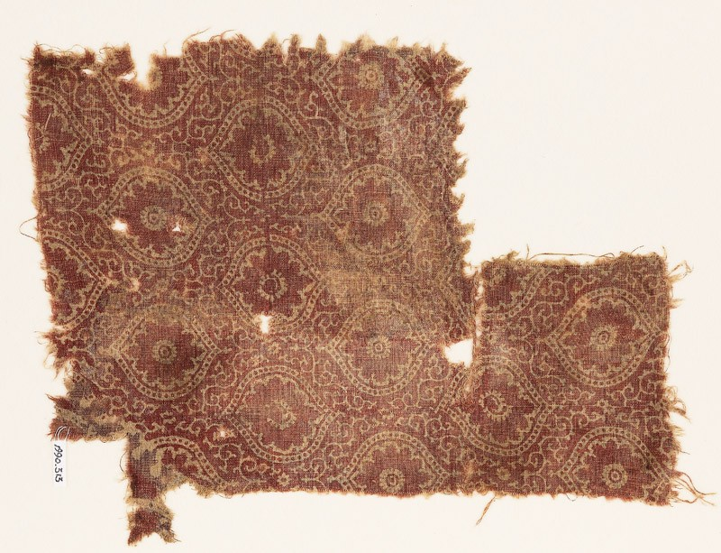 Textile fragment with medallions, flowers, and tendrils (EA1990.313, front            )