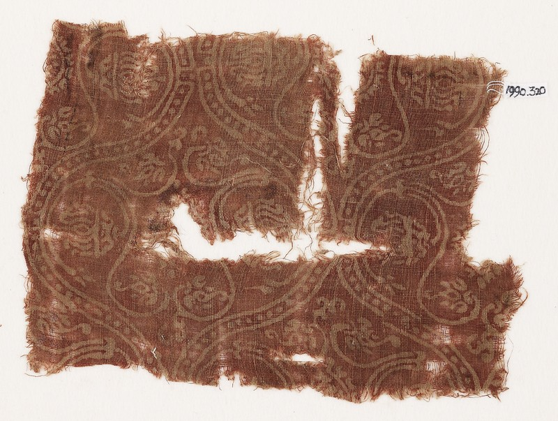 Textile fragment with interlocking medallions (EA1990.320, front            )