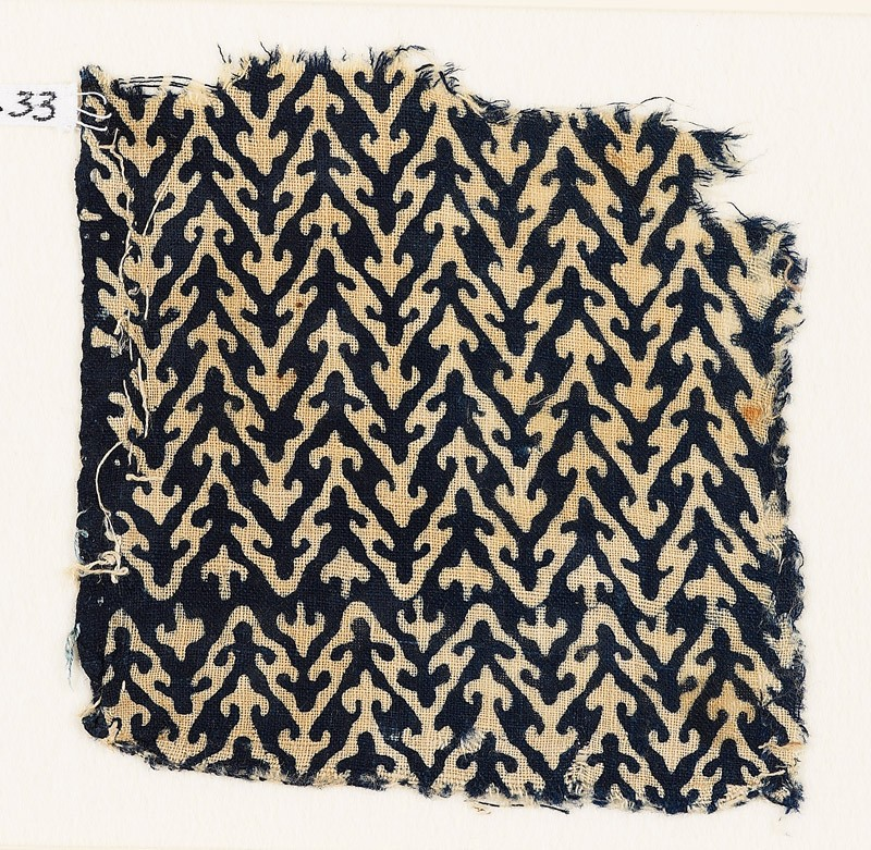 Textile fragment with linked chevrons and trefoils (EA1990.33, front           )